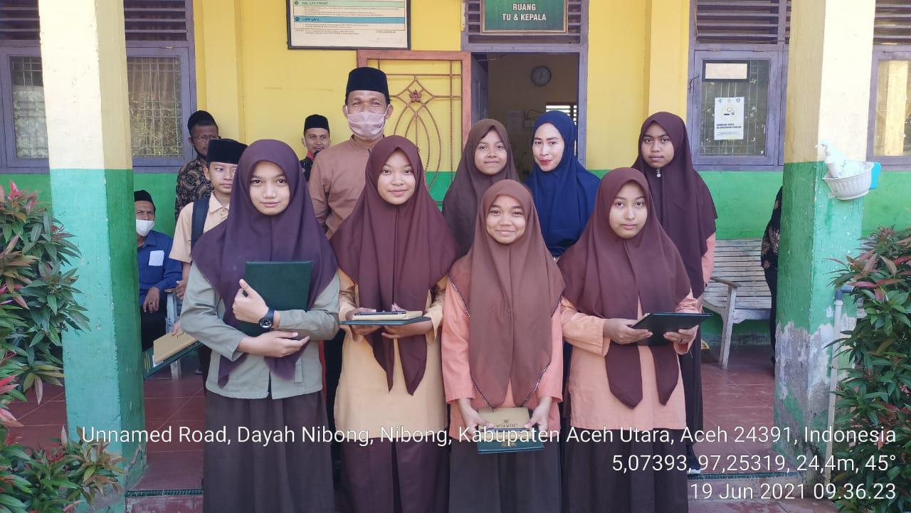 Galeri Fhoto Pembagian Rapor ARD MTsN 7 Aceh Utara